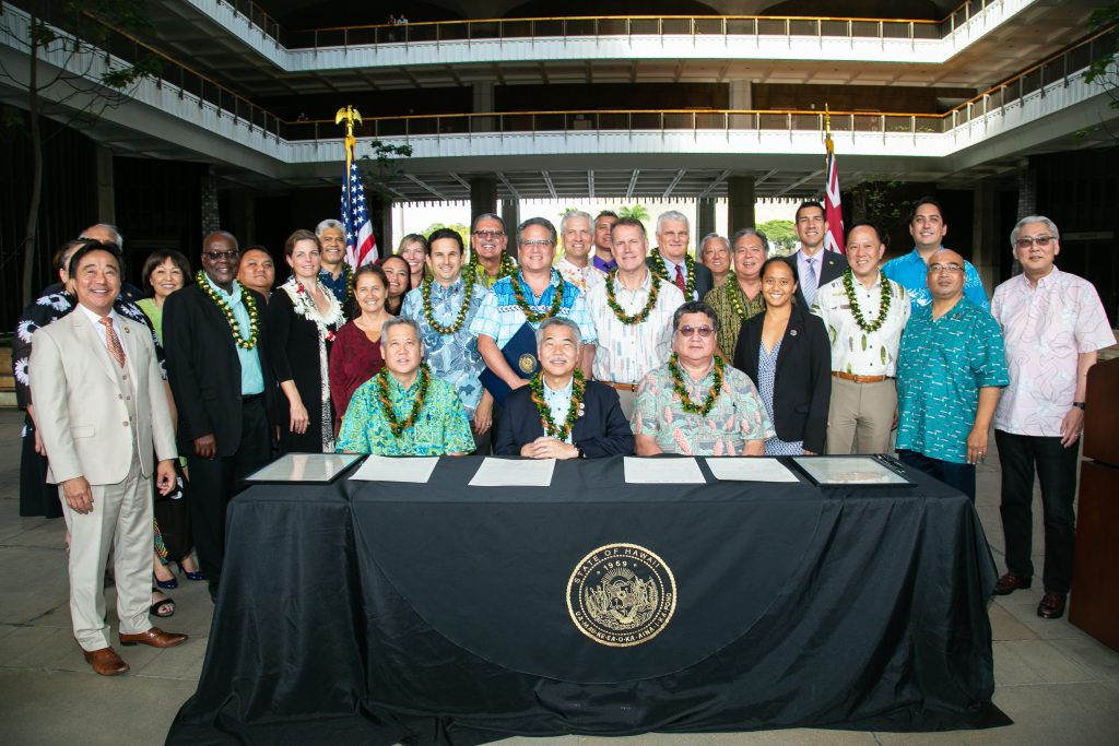 Hawaiʻi Leaders Sign Mālama Mandate